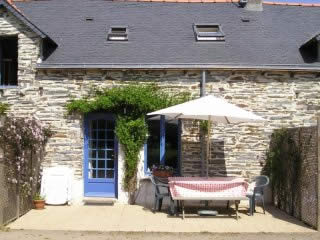 Fully-equipped french gite for holiday rental in the pays de la Loire