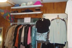 Elizabeille clothes rack