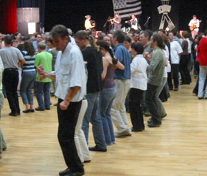 A Breton Rave…. or Fest-Noz as it is called hereabouts