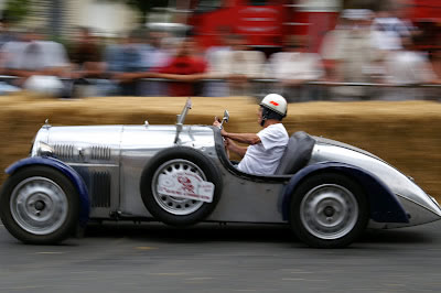 Le Grand Prix Rétro at Le Put Notre-Dame in the Loire Valley