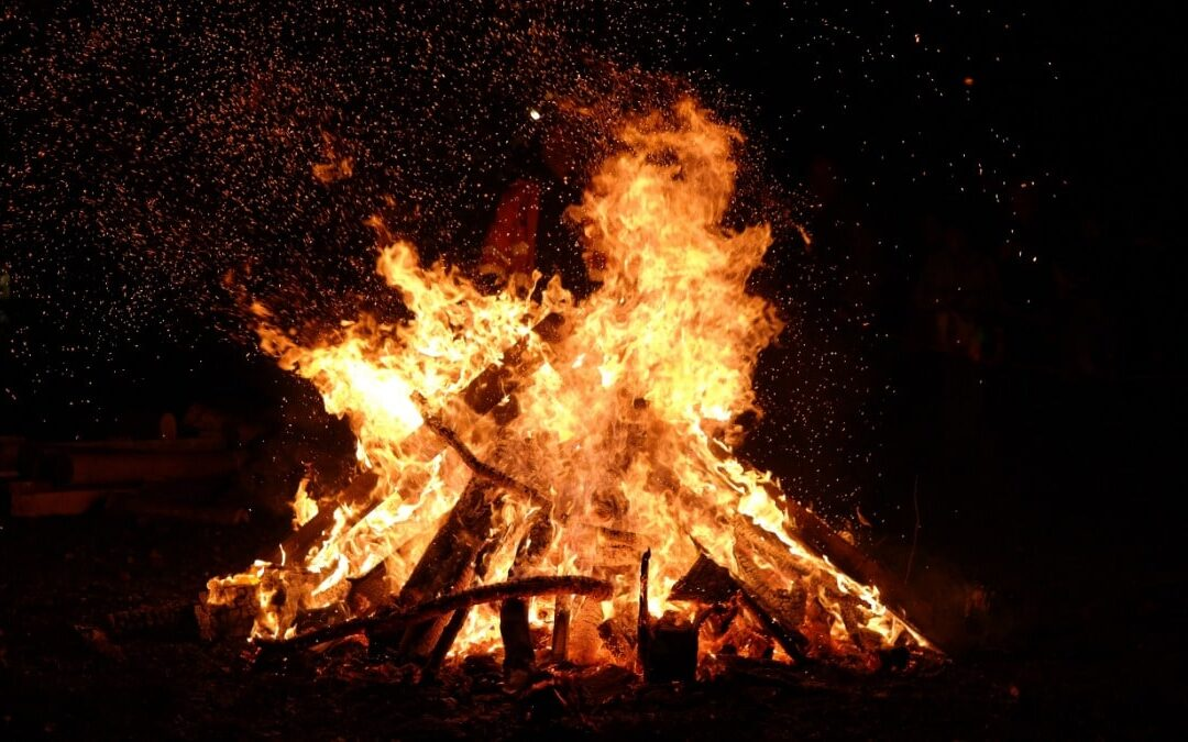 Having a bonfire in France – is it ok to light a fire outdoors?